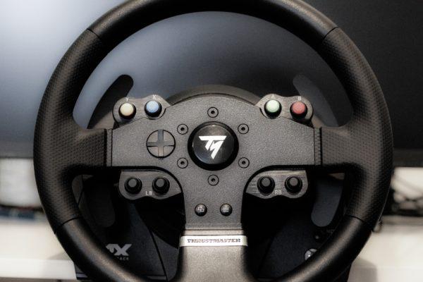 Améliorez vos parties de course virtuelle avec ces volants Xbox One